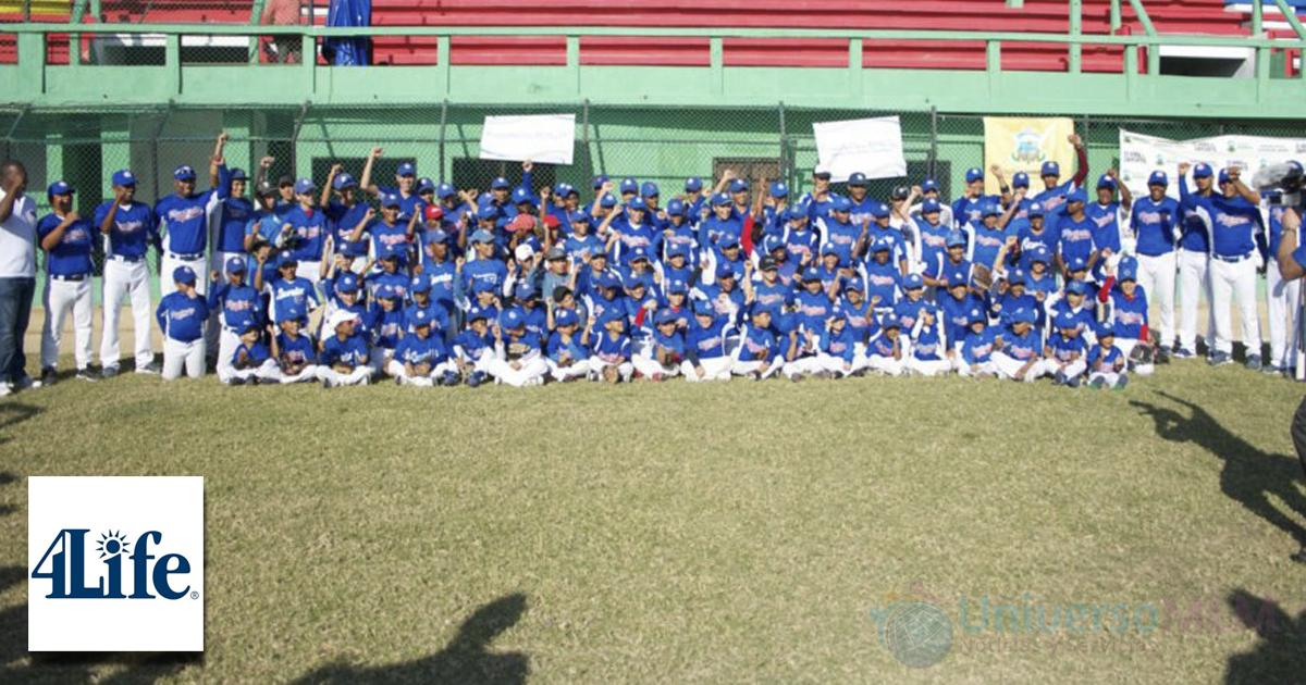 Los chicos de la escuela de beisbol de Rentearía