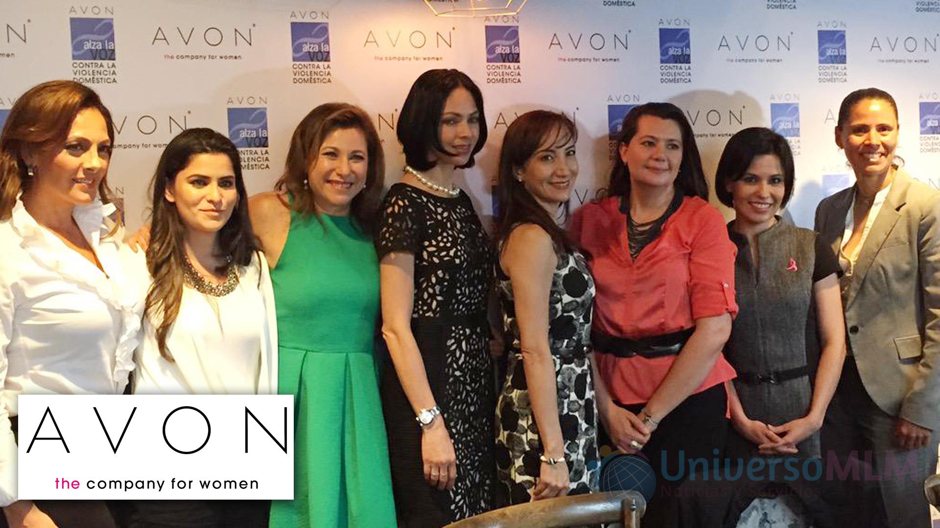 Participantes en la mesa de Avon