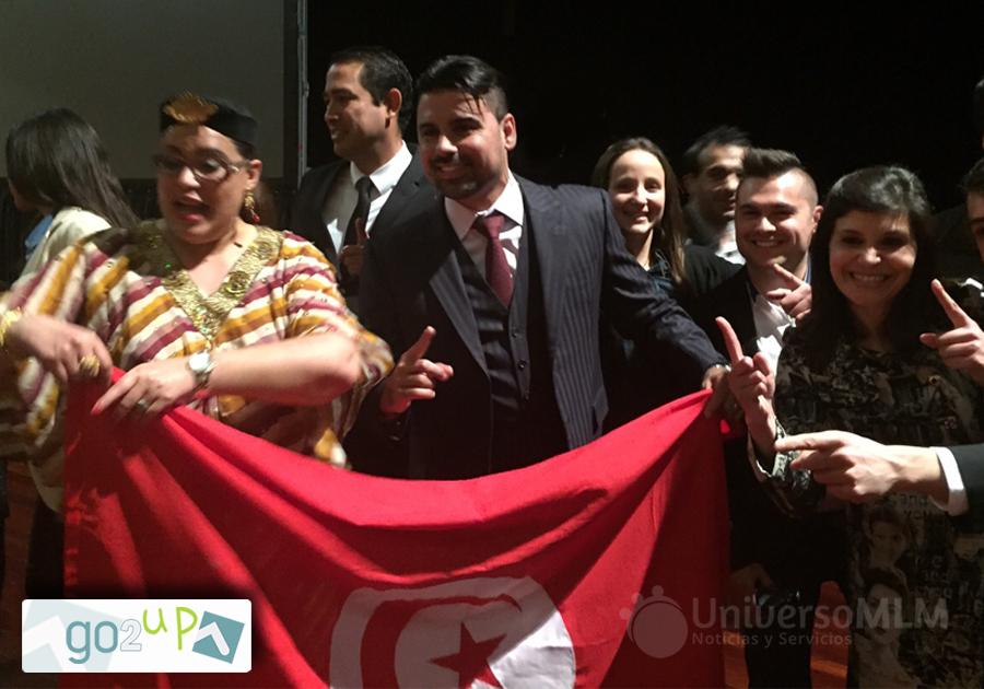 Tiago Fontoura, con promotores tunecinos en Portugal