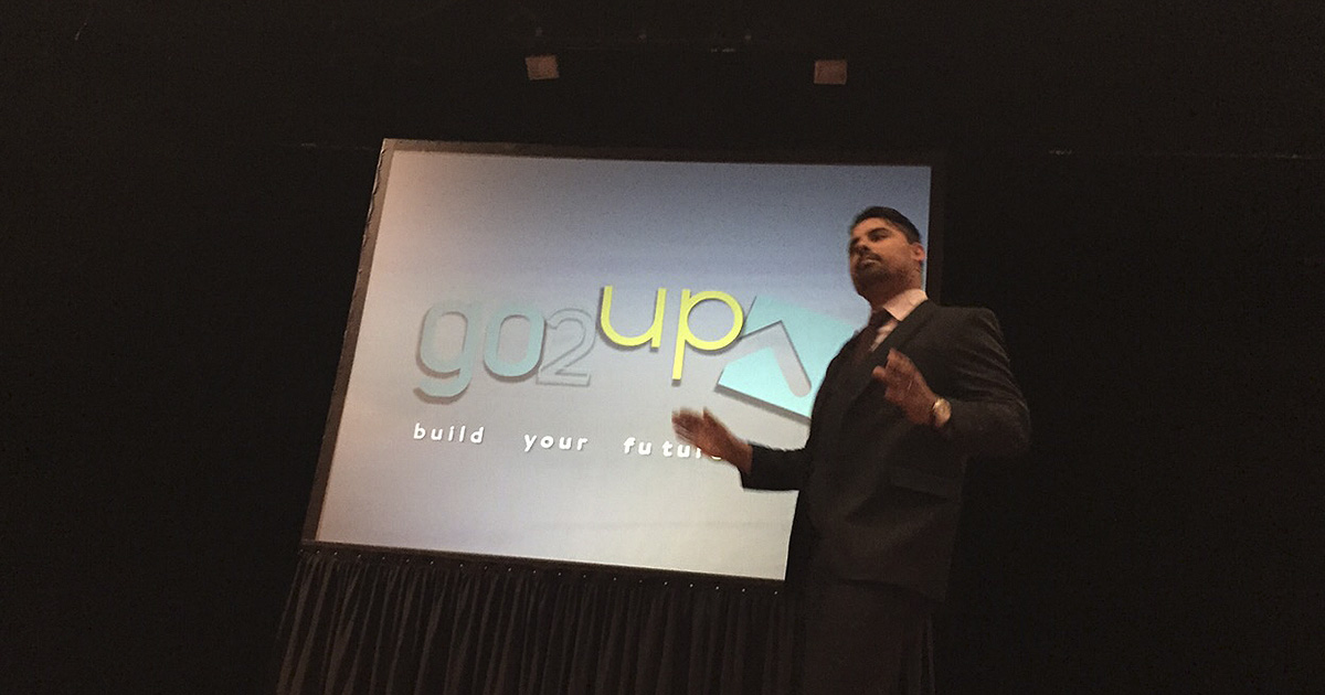 Tiago Fontoura presentando Go2UP