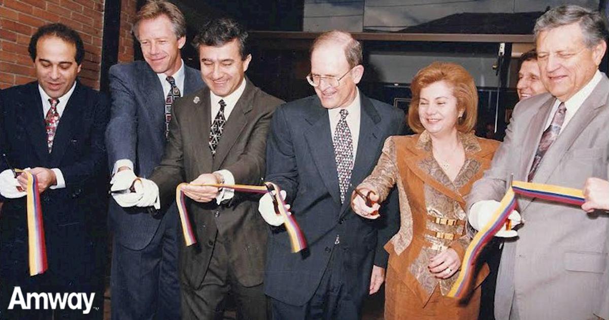 Inauguración comercial de Amway en Colombia