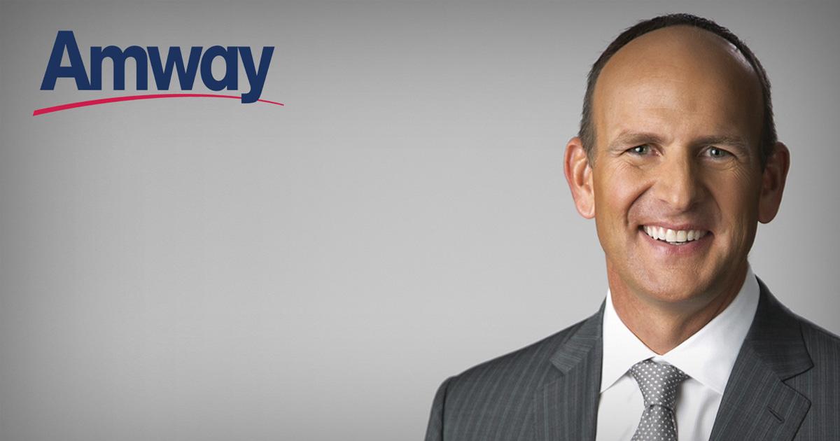 Doug DeVos, presidente de Amway