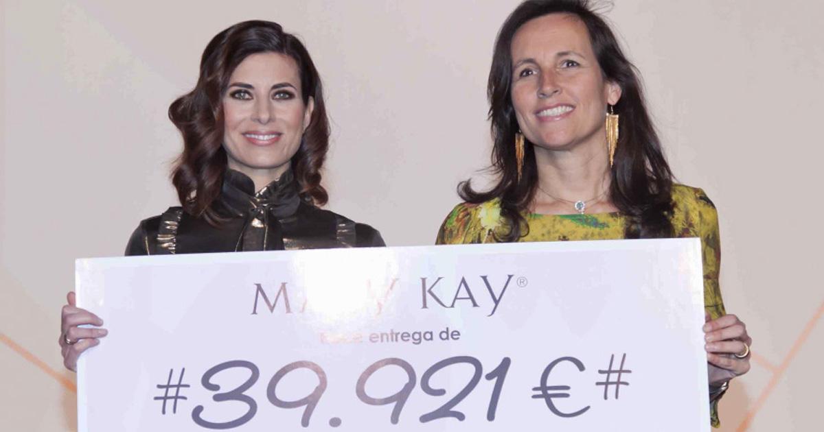 Gema Aznar, directora general de Mary Kay España y Ana Muñoz, directora de Fundación Integra