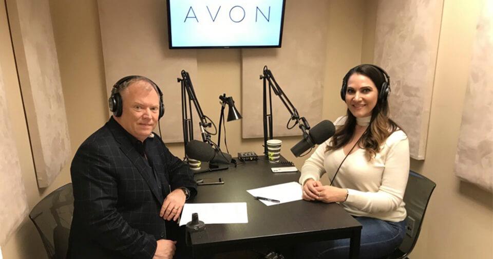 avon-lanza-su-primera-serie-de-podcasts-con-jefes-y-representantes-de-belleza