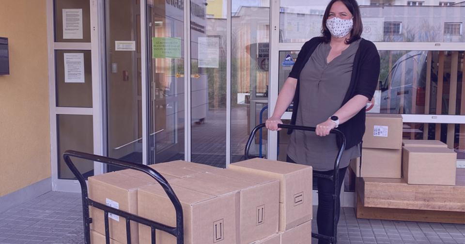 Empresas: Avon Products realiza importante donativo a centros oncológicos y otras instituciones de cuidado sanitario.