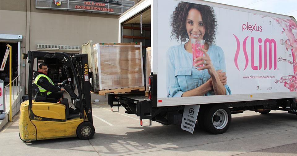 Empresas: Plexus Worldwide dona más de 4,000 bolsas de batidos de reemplazo de comidas en su ayuda contra el COVID 19