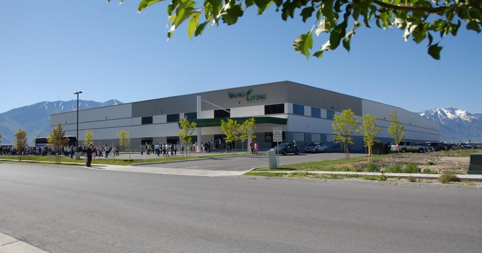 Generales: Young Living protege a sus empleados en Spanish Fork durante la crisis de COVID-19