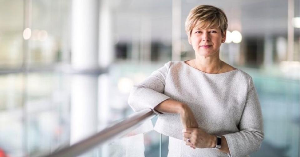 Actualidad: Karen McElhatton, nueva directora de tecnología de Avon