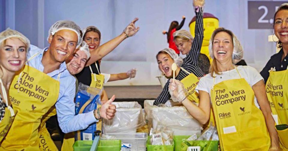 Empresas: Forever Living alcanza la meta de 5 millones de comidas para combatir el hambre en el mundo