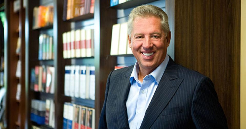Empresas: El experto en liderazgo John C. Maxwell continuará el programa de tutoría de MONAT