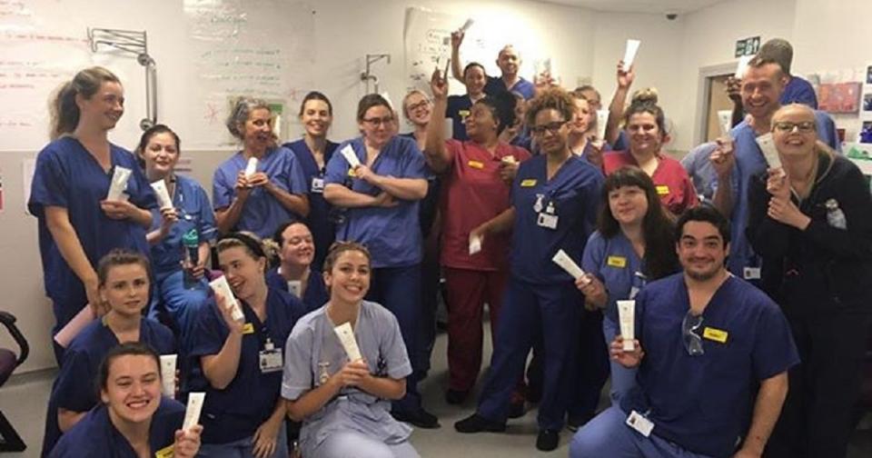 Empresas: Forever Living apoya al personal del Hospital Warwick en Longbridge Manor