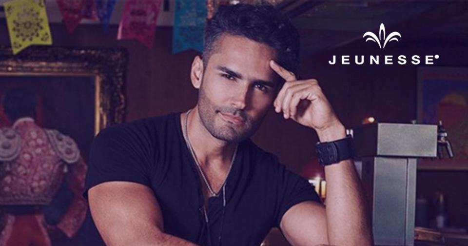 Empresas: Jeunesse ficha a la famosa estrella de televisión colombiana Fabián Ríos