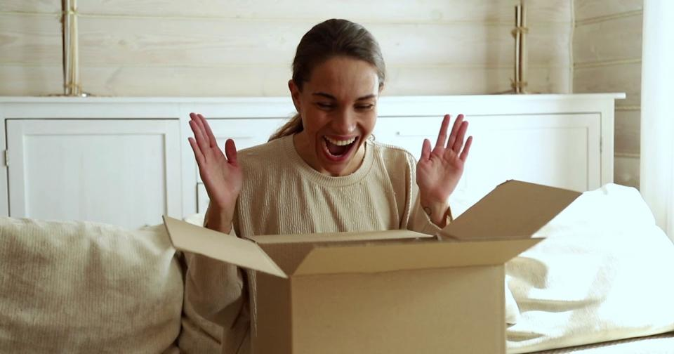 Empresas: Por primera vez AVON realiza envíos directos a sus clientes en España