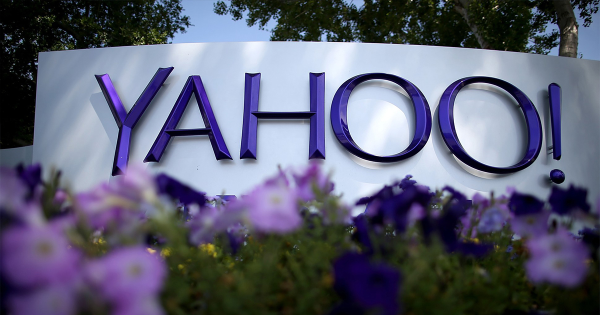 Yahoo, estudia vender su negocio central web