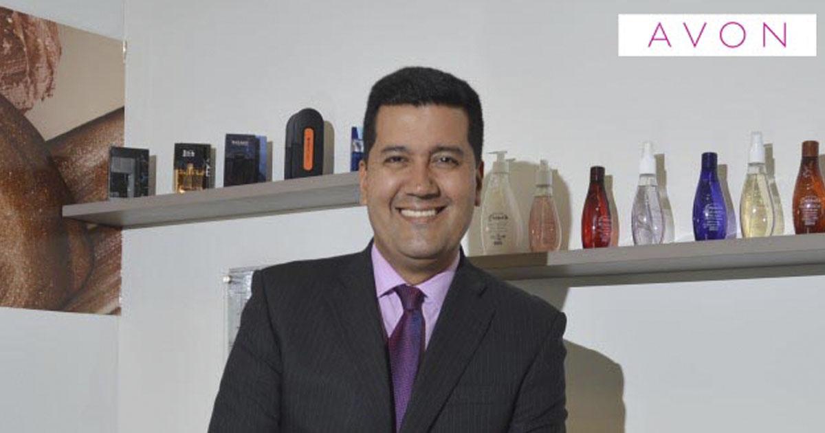 Carlos Garrín, Gerente General de Avon en Perú