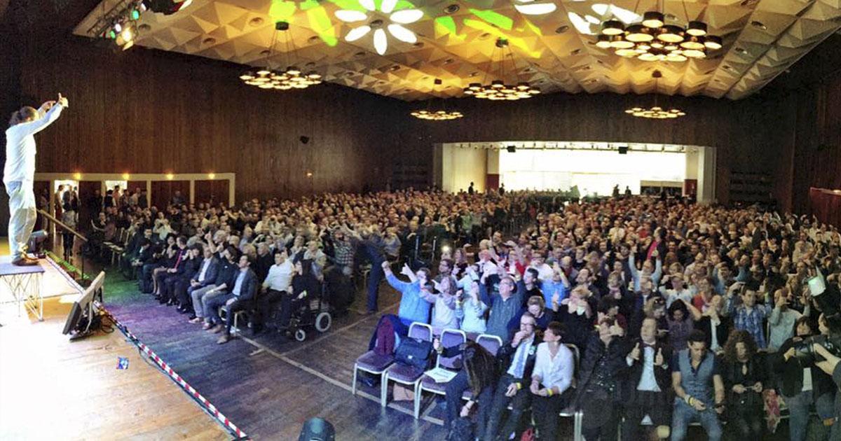 Asociados que asistieron al evento en Colonia