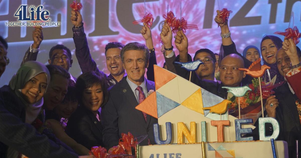 Steve Tew, presidente y CEO de 4Life en la Convención