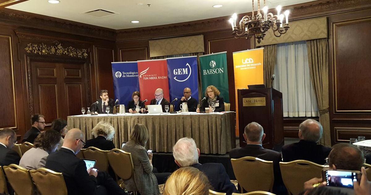 Presentación del informe mundial de emprendimiento GEM