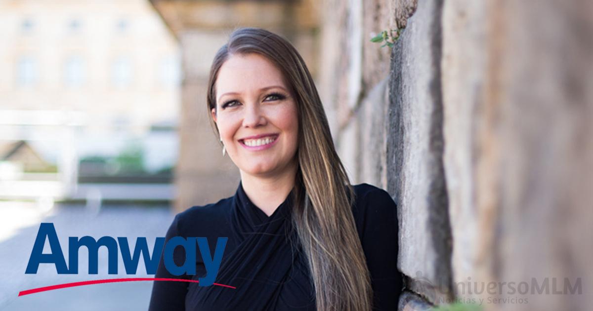 Elizabeth Acuña, gerente de asuntos corporativos de Amway en Colombia