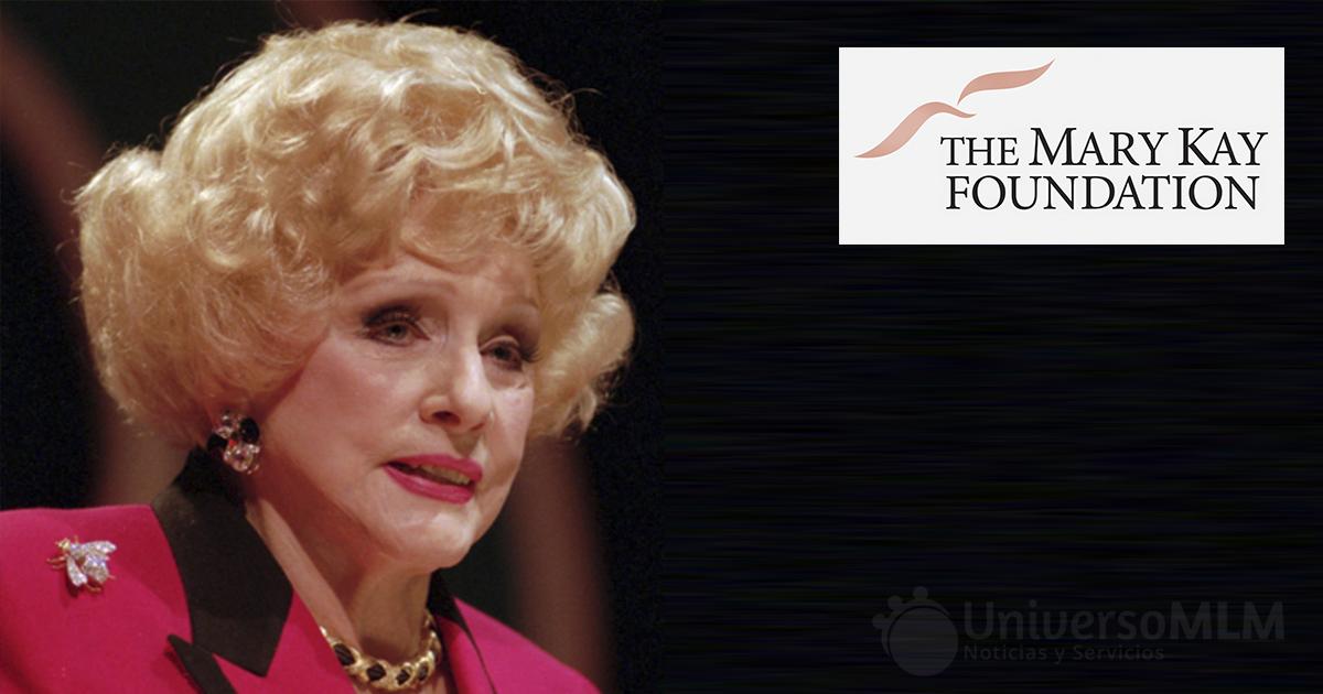 Mary Kay Ash, fundadora de la compañía de cosméticos