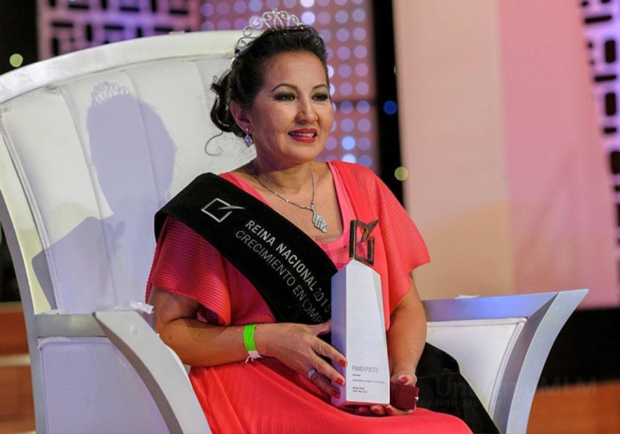 Elvia Pico, Directora Independiente de Yanbal