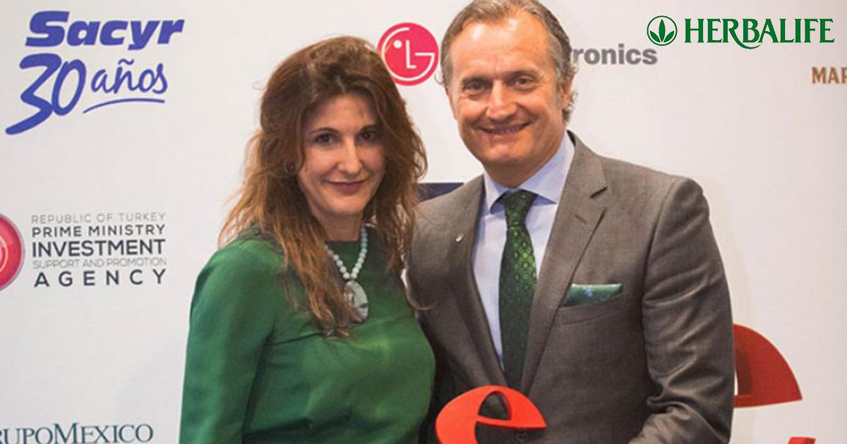 El presidente de Herbalife en España, Carlos Barroso, recogió el premio