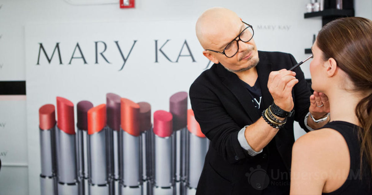 Luis Casco, el popular maquillador Embajador Global de Mary Kay