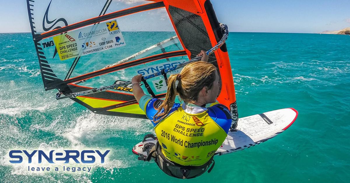 Zara Davis, campeona de windsurfing
