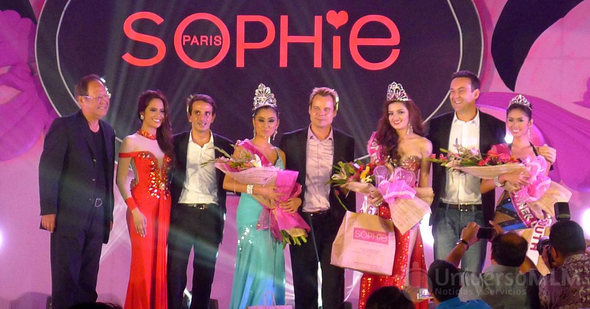 Evento de Sophie Paris con las ganadoras del concurso de belleza