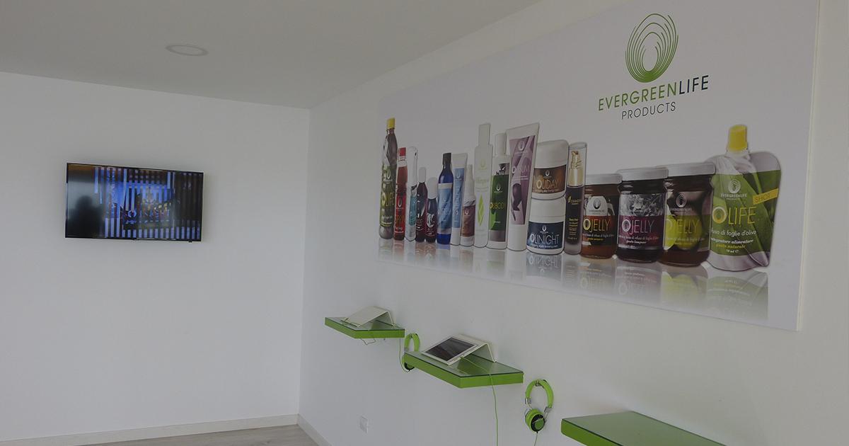 En la sala de recepción, imagen con los productos de EverGreen