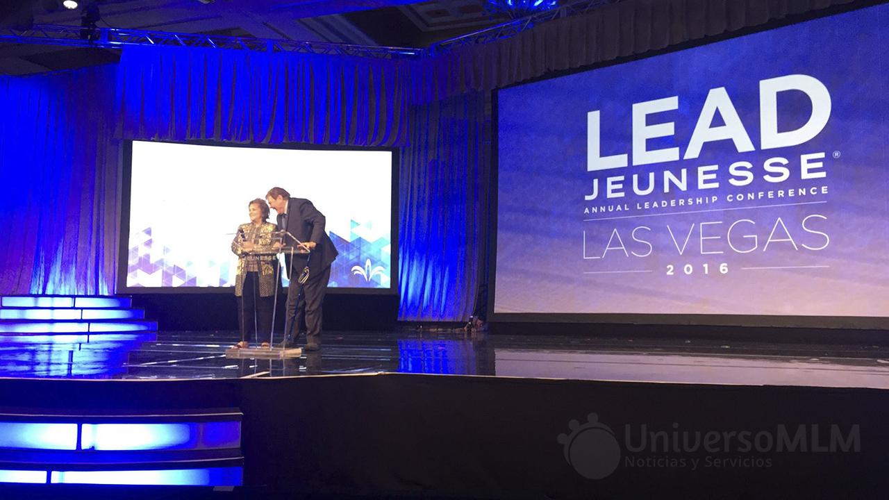 Randy Ray y Wendy Lewis en Lead Jeunesse