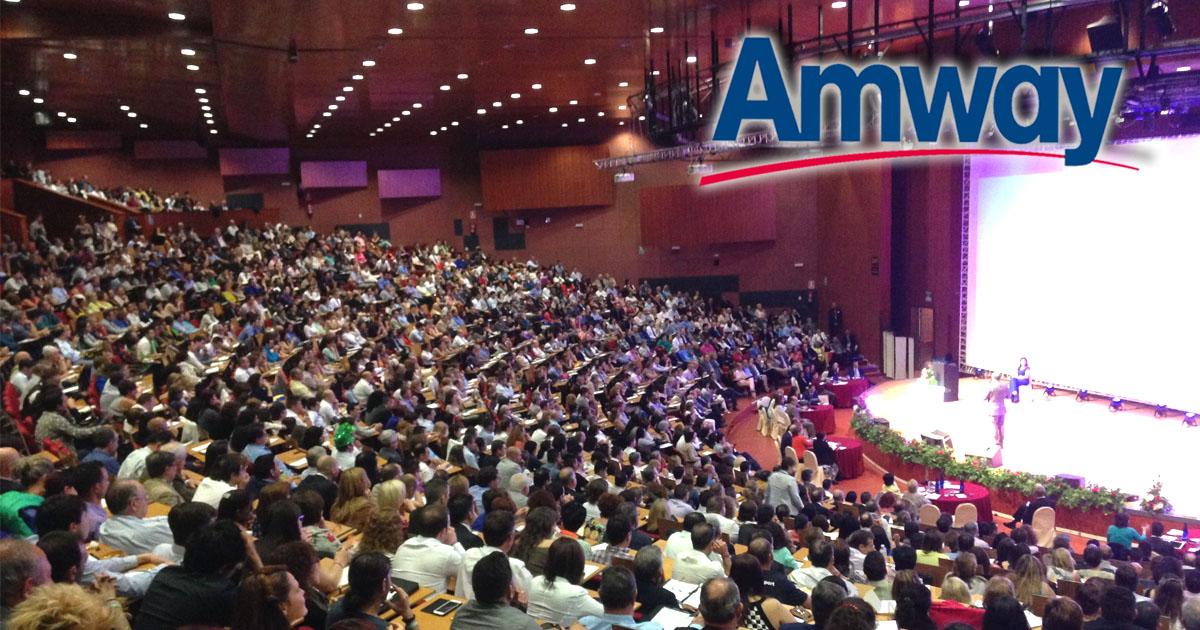 Palacio de Congresos del hotel Auditorium con los distribuidores de Amway