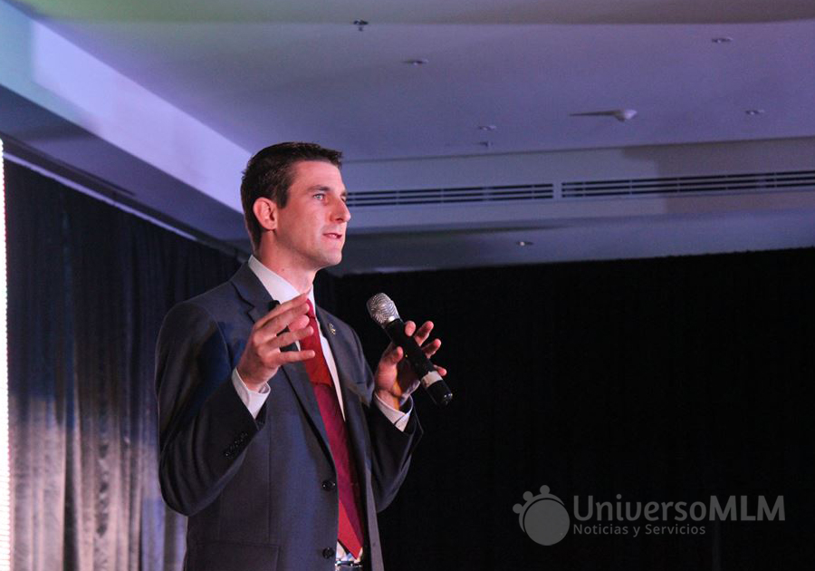 Daniel Taylor, director senior internacional