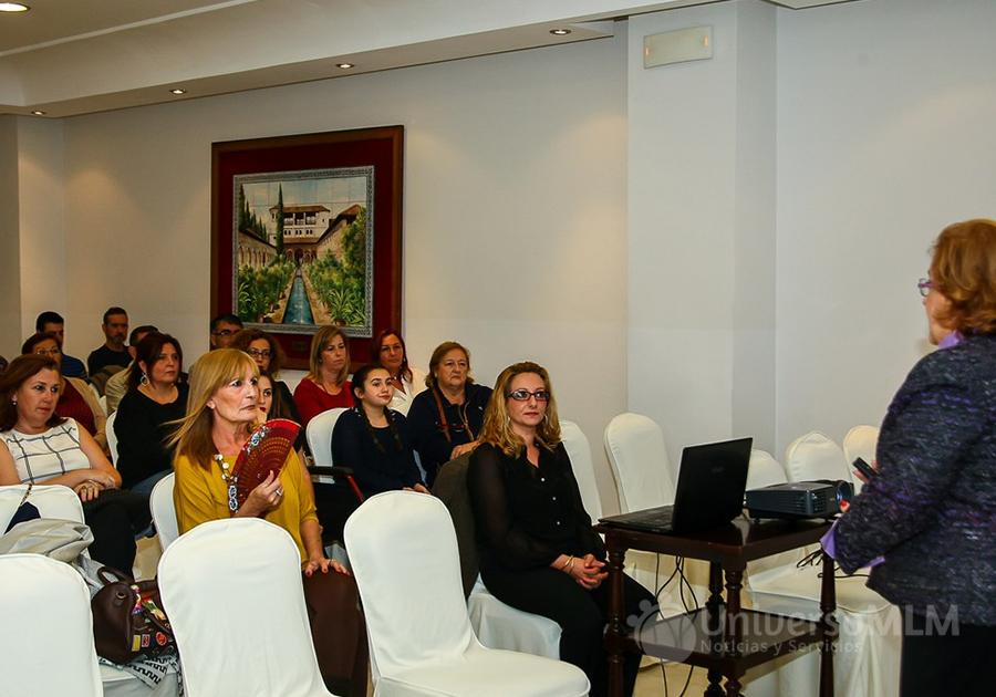 Los asistentes al evento mostraron gran interés por los productos de Synergy