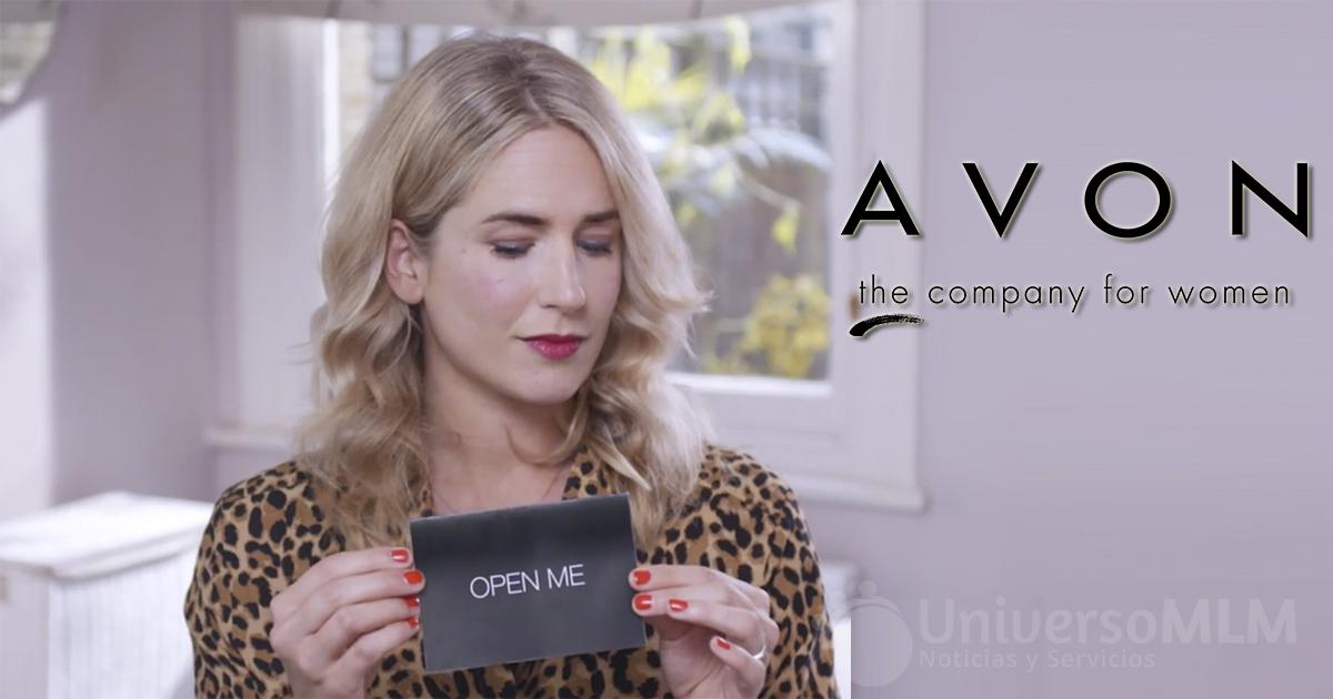 Vlogger prueba a ciegas los productos Avon
