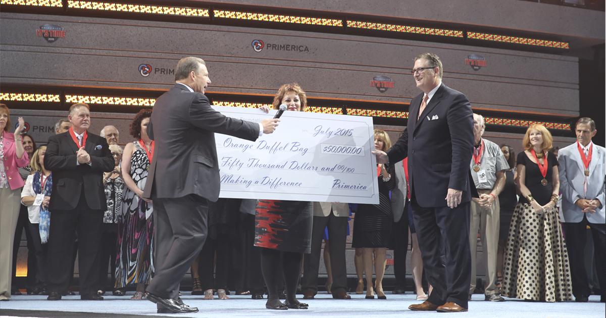Entrega de donación de la Fundacion Primerica