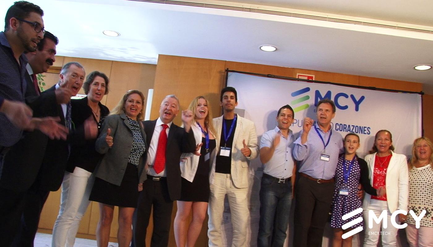 Distribuidores de EMCY en el evento de lanzamiento de la empresa en España