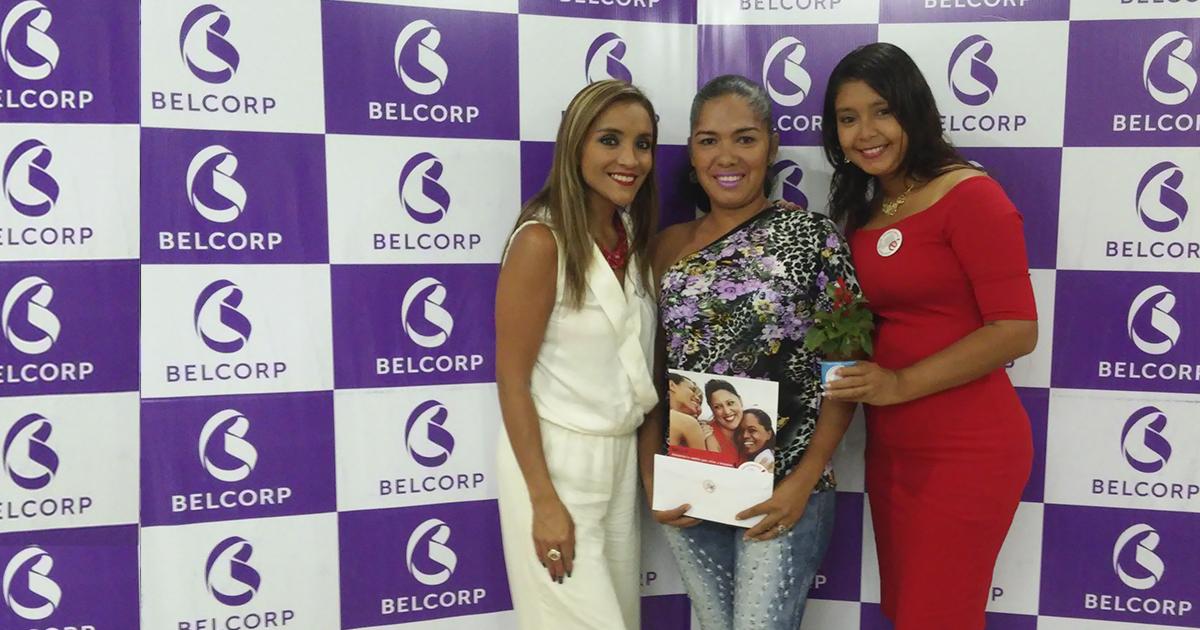 Karol Maldonado Gerente Regional Belcorp Esmeraldas; Nelly Barros Consultora; Priscila Bautista Gerente Regional