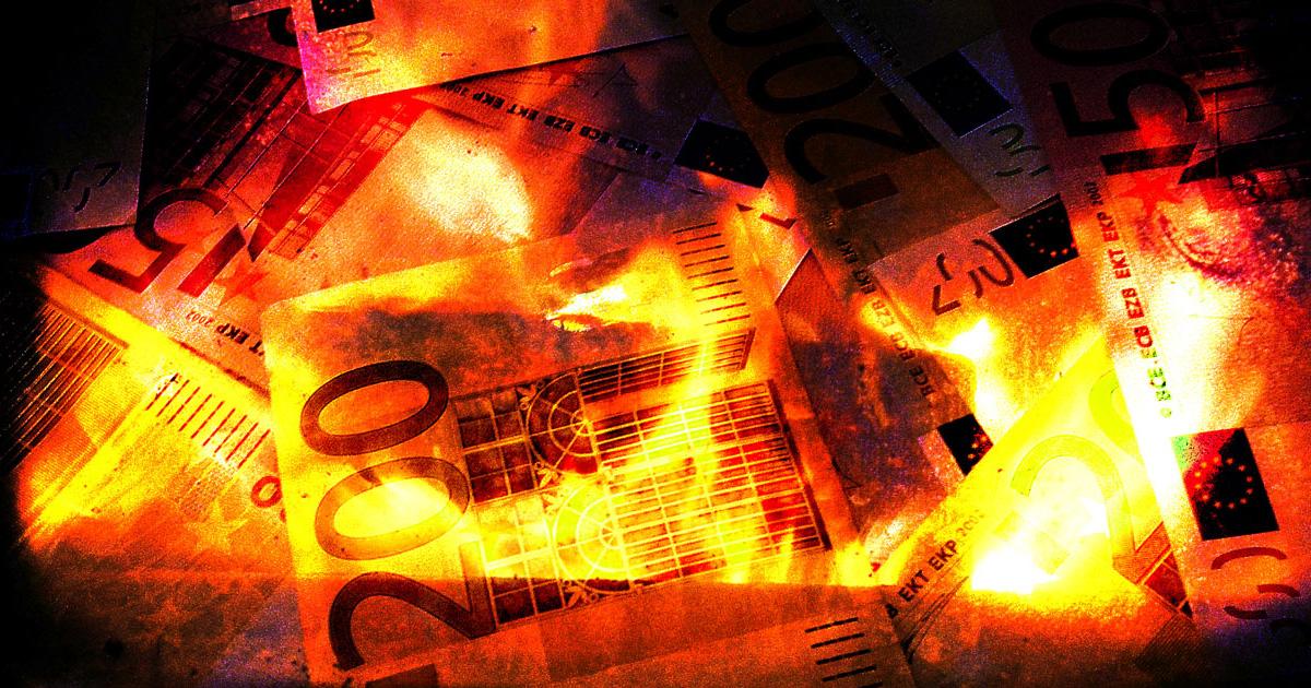 Hacienda ve posible la desaparición del dinero efectivo