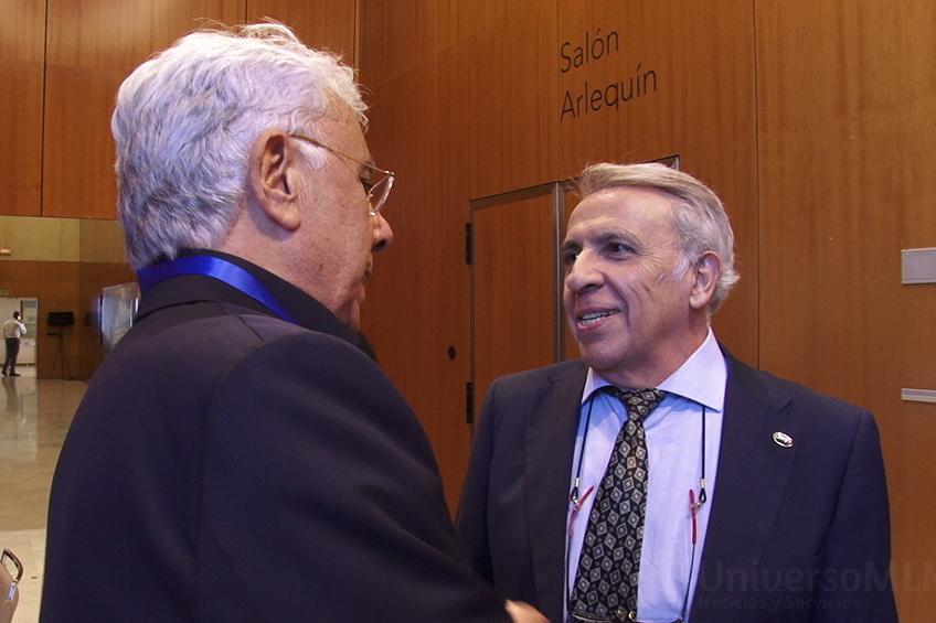 Carlos García, derecha, con Andrés Caparrós