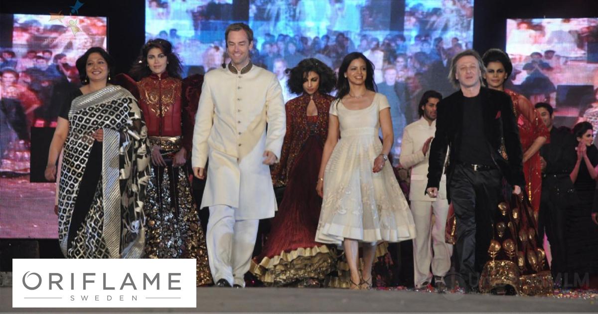 Marcus MD & Sharmili Director de Marketing de Oriflame India y Rohit Bal, en el 15 Aniversario de Oriflame en India